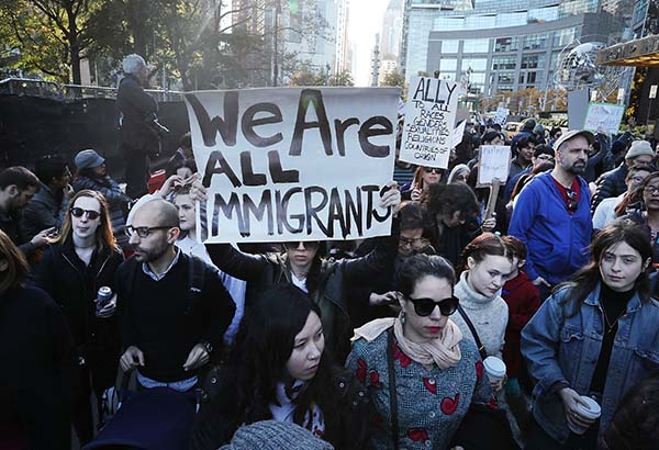 US-ANTI-TRUMP-PROTESTERS-CONTINUE-TO-DEMONSTRATE-ACROSS-THE-COUN